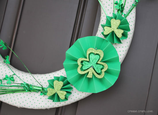 Close-up of St. Patrick's Day wreath made by Jill from Create Craft Love