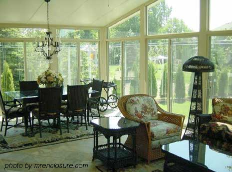 beautifully furnished sun room