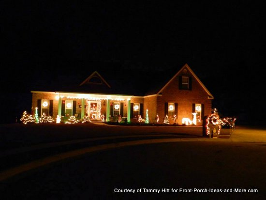 Tammy's Christmas porch from the street