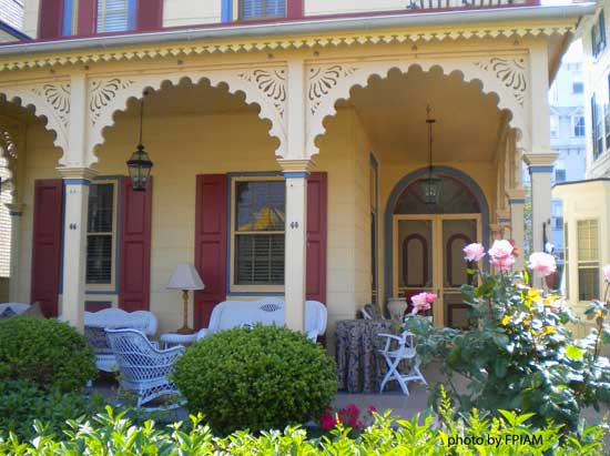 Victorian style porch with brackets