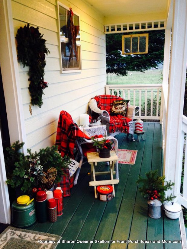 Vintage Christmas Decorating Ideas For Your Porch