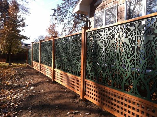 tree of life pattern on vinyl lattice fence by acurio lattice works