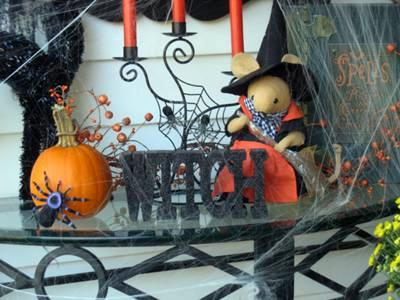 spider web and Halloween knick-knacs