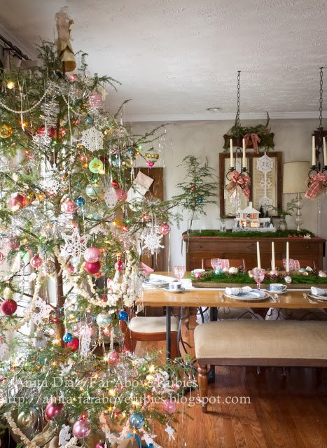 Anita decorates her home with Christmas vintage