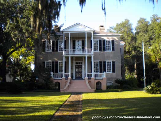 traditional southern front porch in Beaufort SC