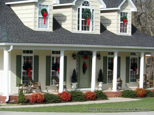 Bell Buckle TN porch decked out in christmas cheer