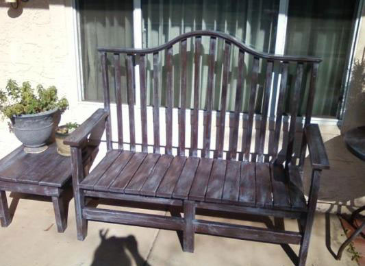 Joliene, one of our readers, made this outdoor bench!