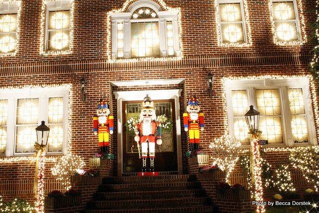 Wonderful Booklyn Christmas light display