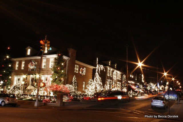 Miracle Mile Brooklyn Christmas Lights