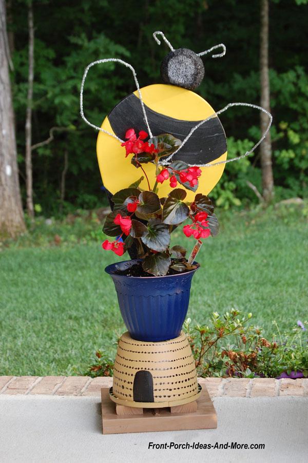 bumble bee porch decoration
