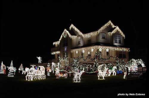 Christmas light idea example - home totally lit as well as front yard