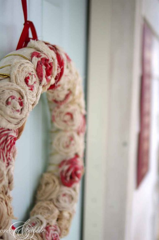 Create and Babble - sweet rose wreath made from leftover tablecloth fabric