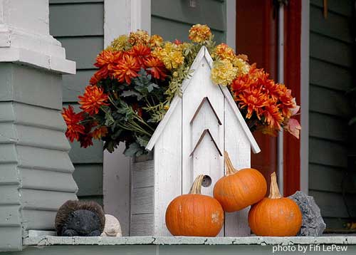 decorating ideas for fall - cute focal point on your porch