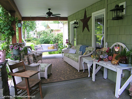 Furnished Porch
