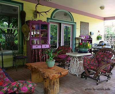 Furnished Porch