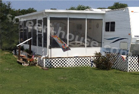 hard top screen porch enclosure on mobile home  by screenhousesunlimited.com