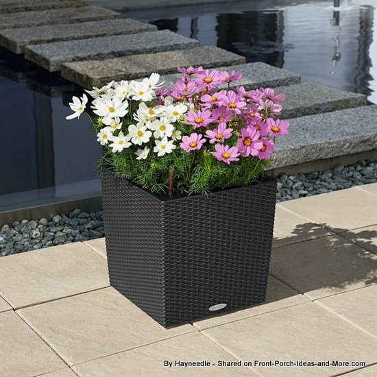 Cube cottage resin self-watering planter set