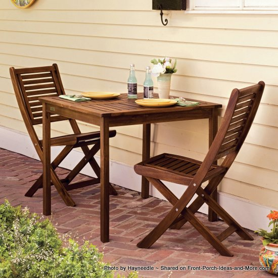 Slatted chairs and slatted table bistro set