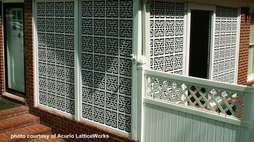 lattice used to partition deck