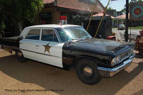 antiuqe police car