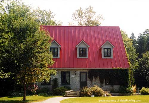 metal roof material - aluminum is lightweight and a popular choice