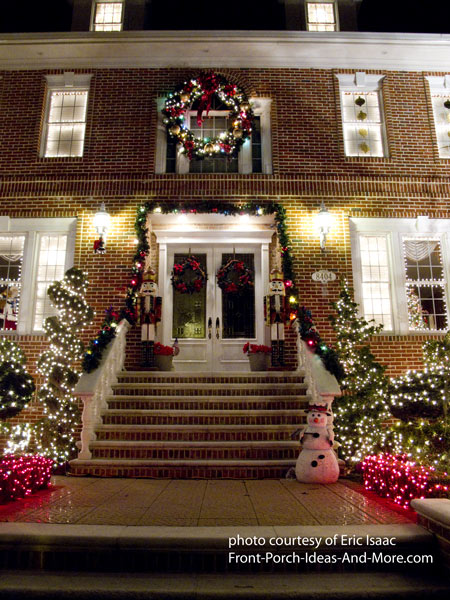 Outdoor Christmas Light Decorating Ideas To Brighten The