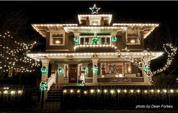 Shamrock green Christmas lights on home for Christmas