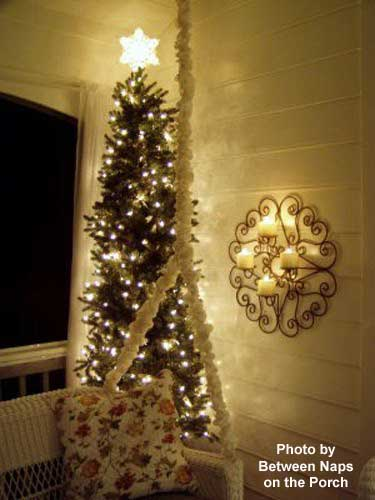 twinkly tree on screened porch