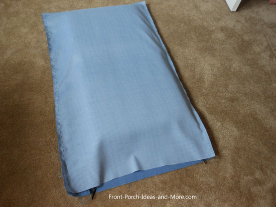 Neat pillow case for cushion.