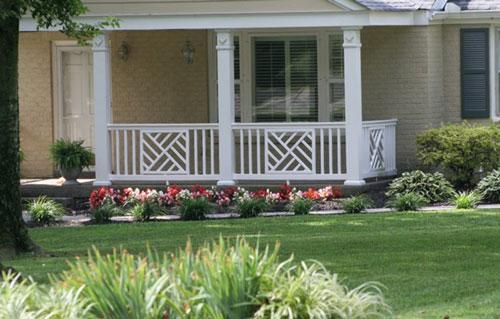 Attractive porch railings