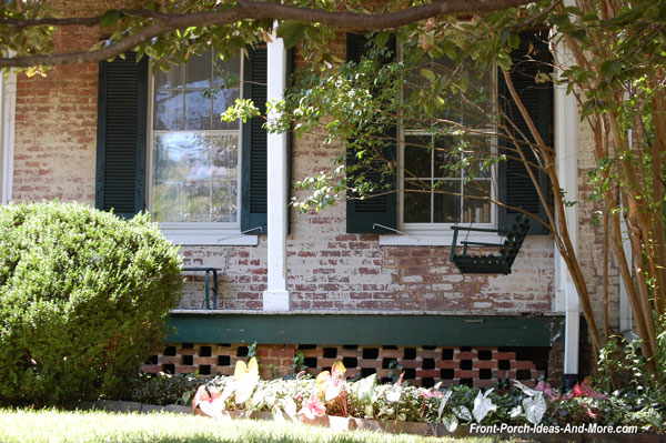 beautiful brick porch skirting with artistic pattern