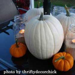pumpkin decorating ideas with white and orange pumpkins
