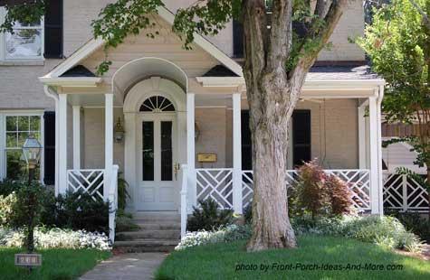 porch with herrigbone railings