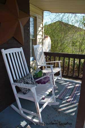 Small Porch Decorating Idea