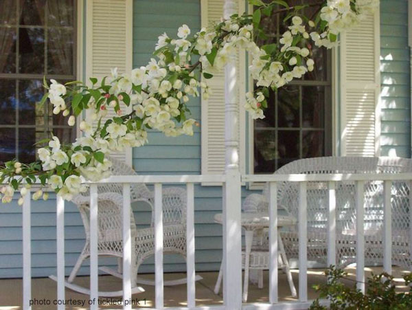 Spring decorating idea with flowers