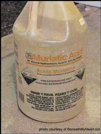 picture of muriatic acid container