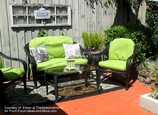 Eileen's makeover of her wicker patio furniture