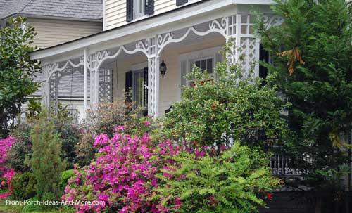 exquisite srcoll work on porch columns