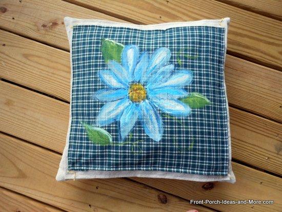 blue daisy pillow topper