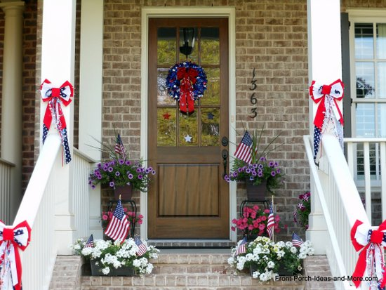 Patriotic bows on the porch steps