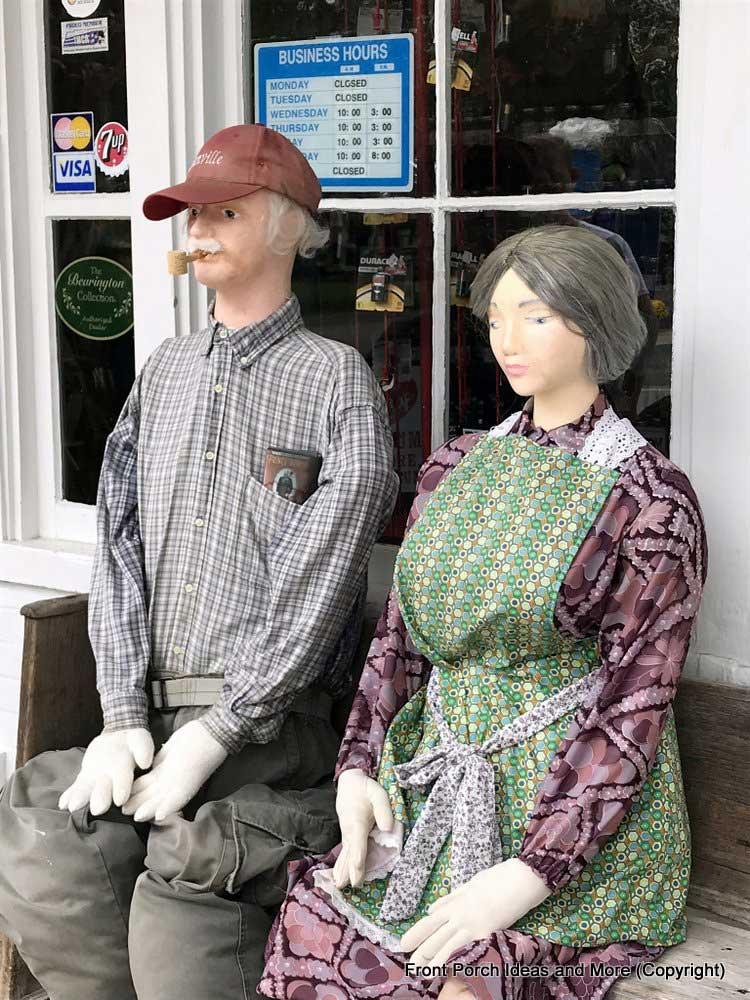 a cute scarecrow couple