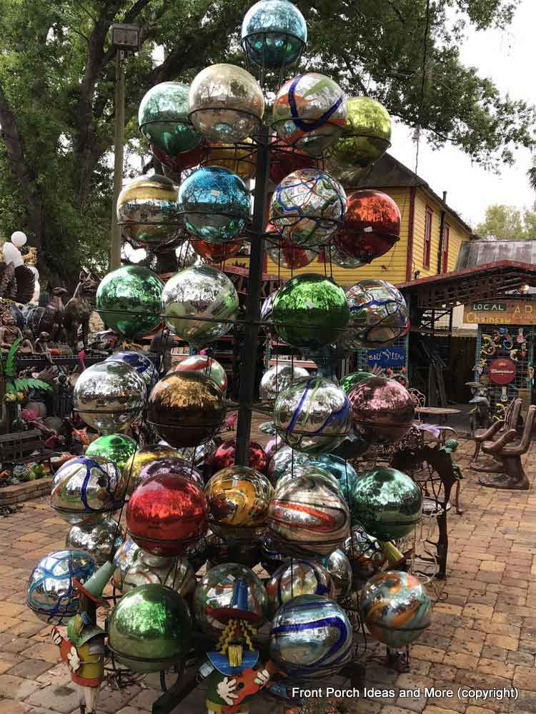Yard Art Emporium - gazing-balls