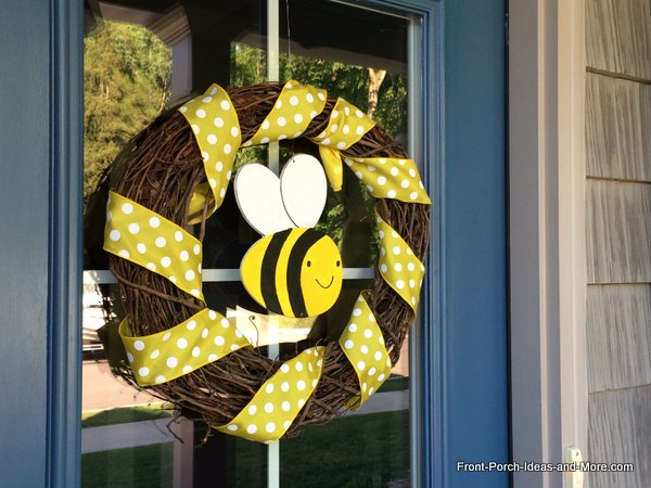 whimsical bumble bee wreath for the front door