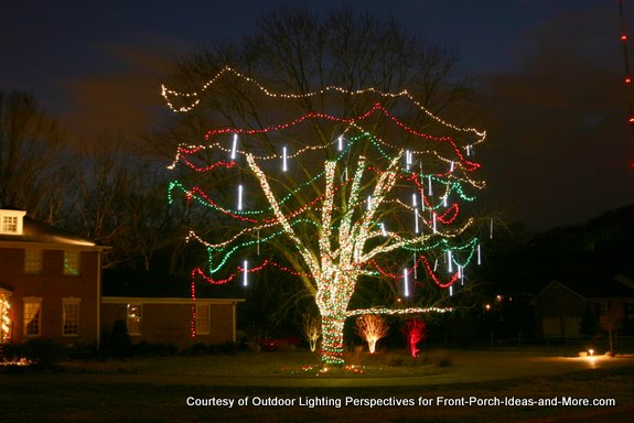 How To String Lights On An Outside Tree : Outdoor Christmas Light Ideas to Make the Season Sparkle