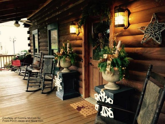 outdoor christmas decorating ideas for an amazing porch - Cabin Christmas Decor