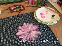 beginning of daisy painting
