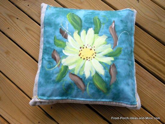 daisy pillow topper