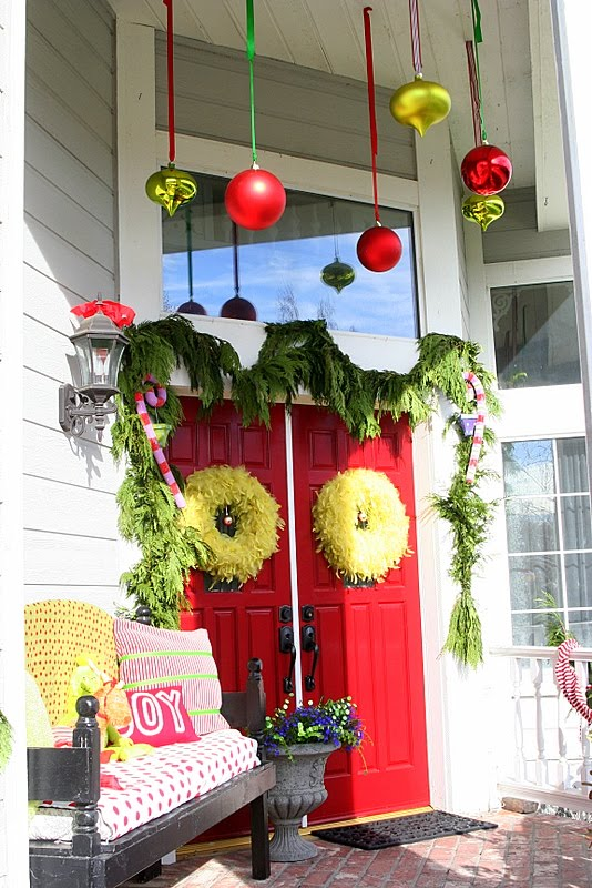 grinch decorations on porch - The Grinch Themed Christmas Decorations