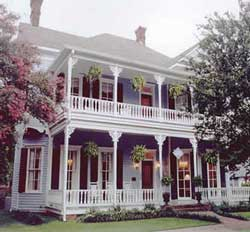http://www.front-porch-ideas-and-more.com/images/m-porch-bb-louisiane.jpg
