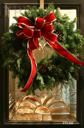 Beautful Front Porch Christmas Wreath